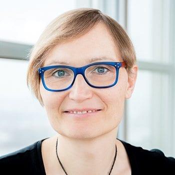 headshot of Ulrike Mueller